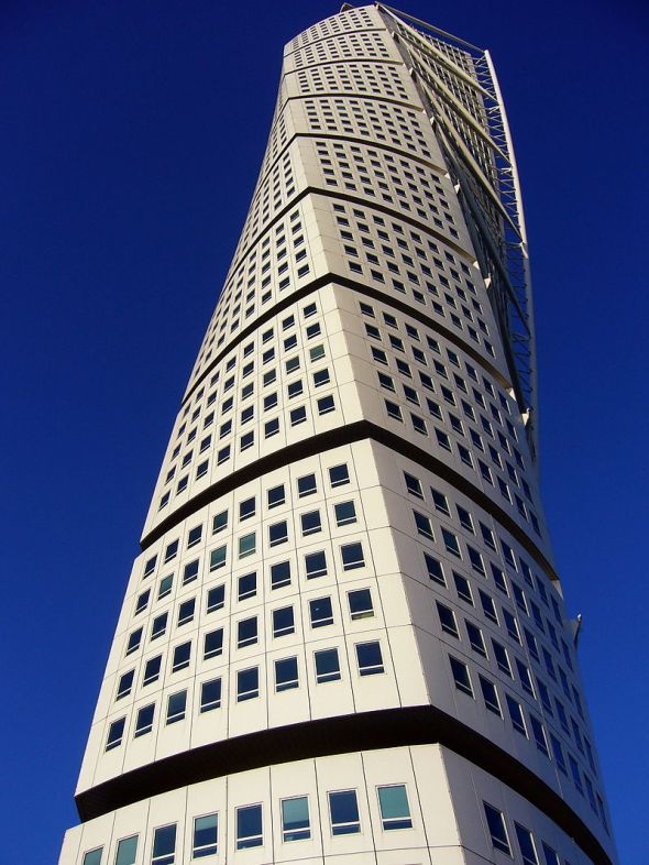 800px-The_Turning_Torso,_Malmo