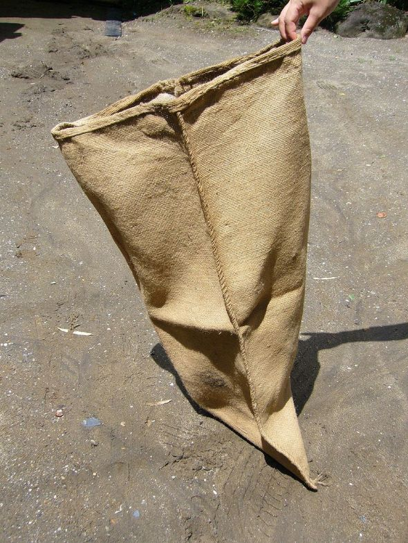 800px-Hemp-sack,asabukuro,japan