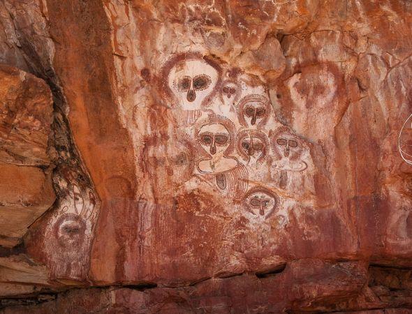 Wunnummurra Gorge paintings