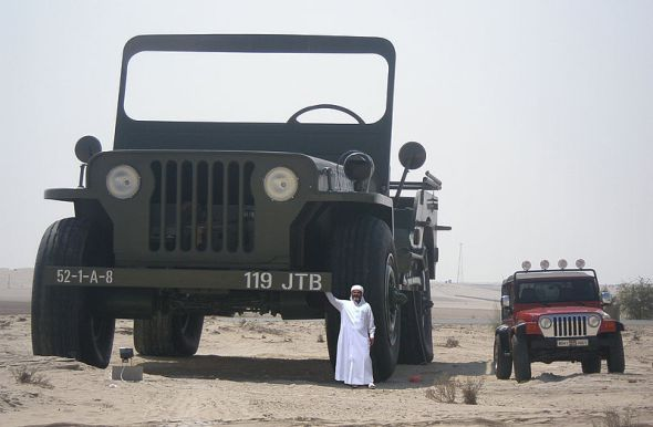sheikh_hamad_bin_hamdan_al_nahyan_with_largest_model_willys_jeep_2009