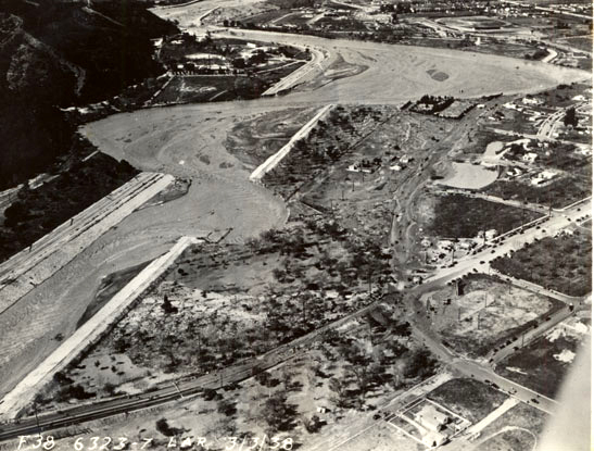 los_angeles_river_-_flood_of_1938_aerial_view_above_victory_blvd_spcol20